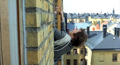 un-flic-sur-le-toit-photo-4